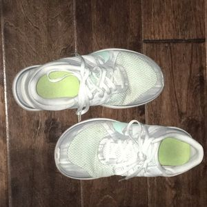 Nike Free 4.0 V4 Women's Running Shoe